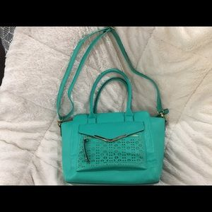 Striking Turquoise Bag🌹